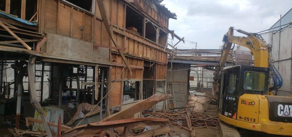 プラスチック工場木造部解体状況