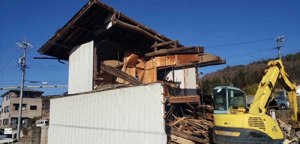 木造二階建ての解体経過状況